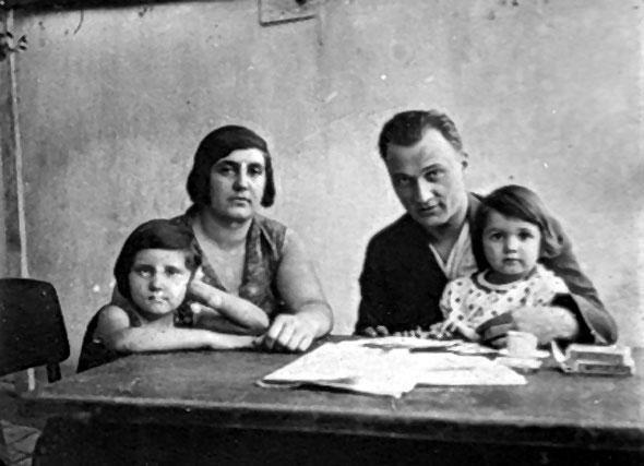 Inženjer Stanković sa suprugom Darinkom i kćerkama Zoricom i Ljiljanom
