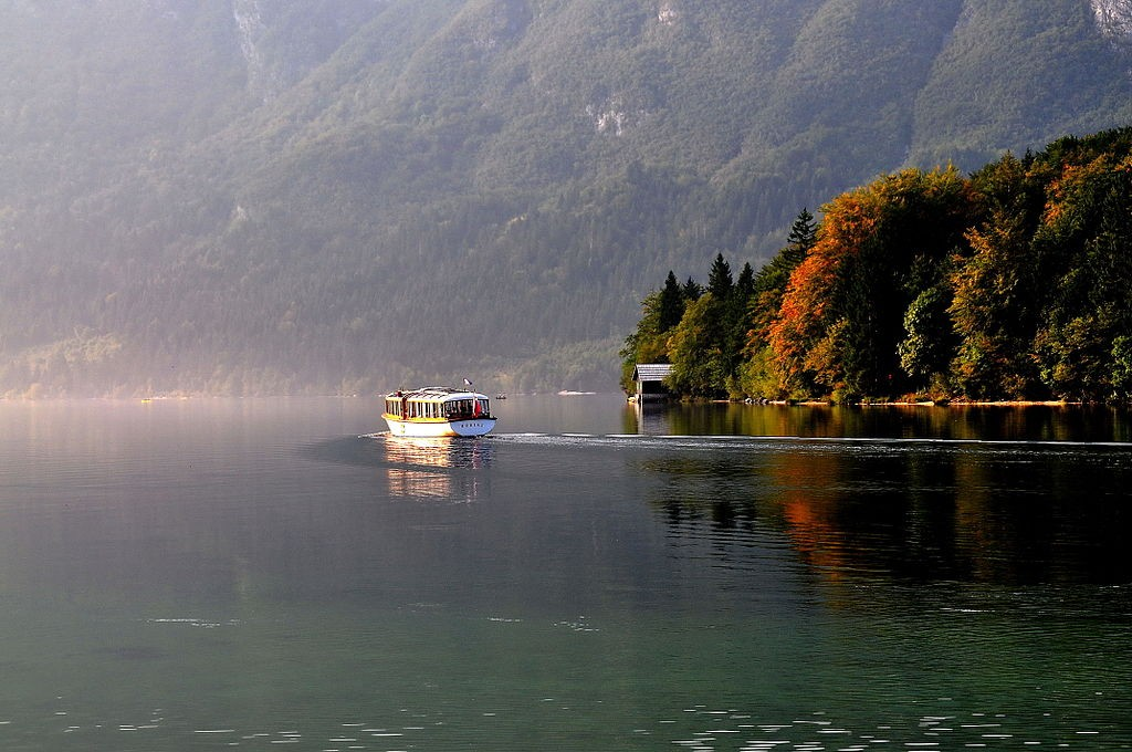 Bohinjsko jezero By Johann Jaritz - Wikipedia
