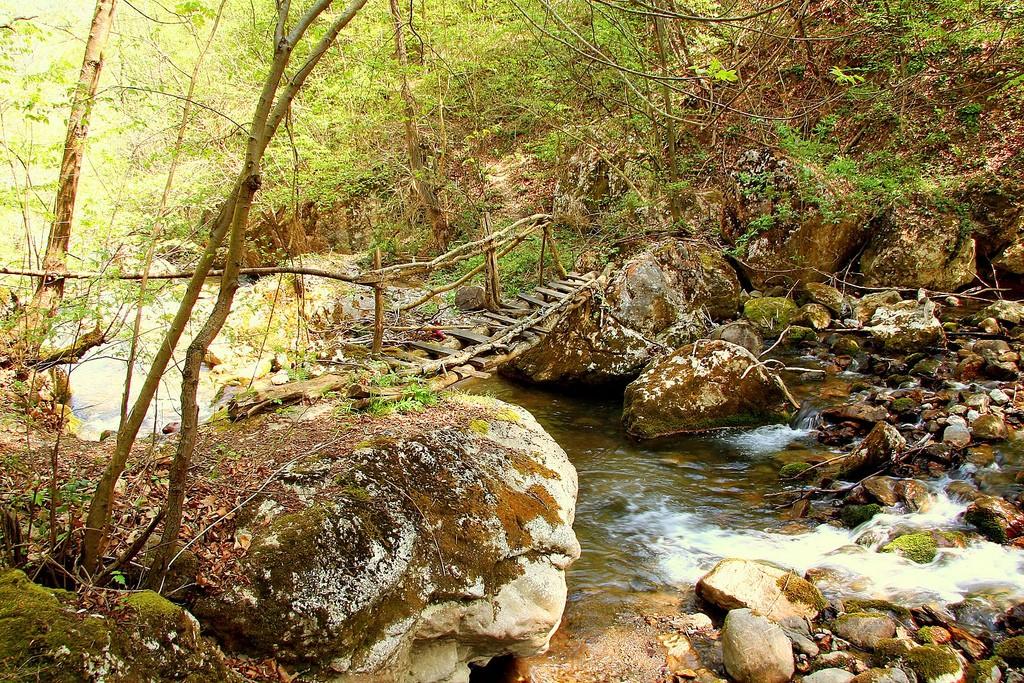 Kanjon Jablanice ispod Manastira Pustinja