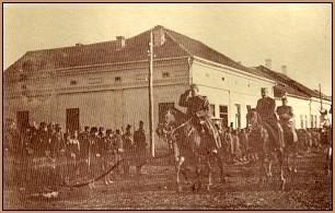 Vojvoda Mišić u oslobodđenom Valjevu 1914