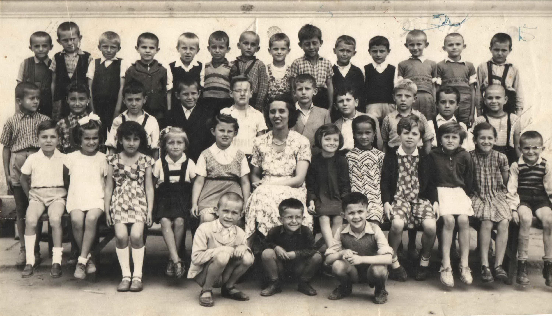 """Prvi razred OŠ """"Andra Savčić"""", školska 1955-56"""