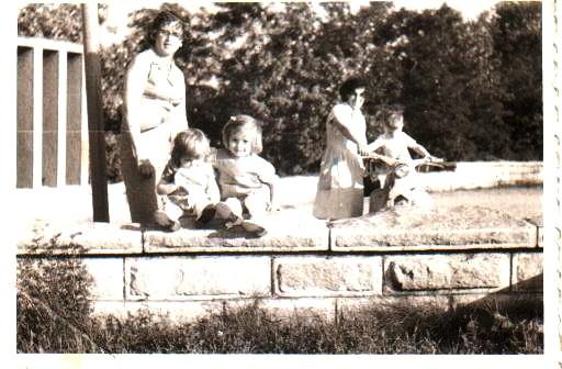 Sestra i ja sa majkom, Vidrak, 1966. godina