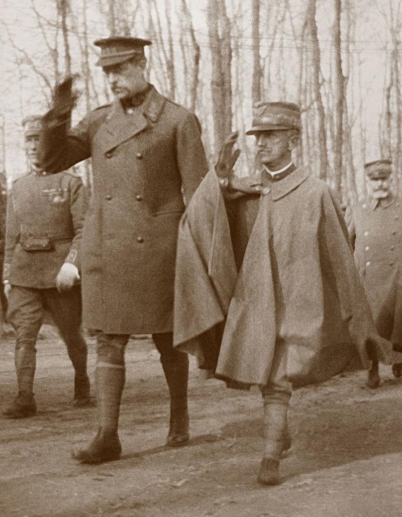 Tek da bi se uočila proporcija: Vitorio Emanuele III sa svojim prijašinom belgijskim kraljem Albertom Prvim.
